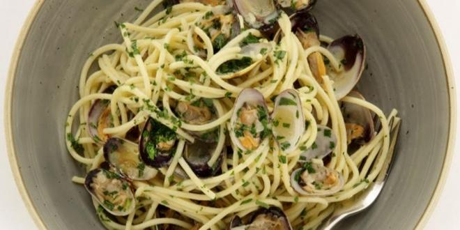 spaghetti al vongole recipe